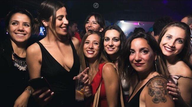 bares discotecas conocer chicas Mendoza tener sexo