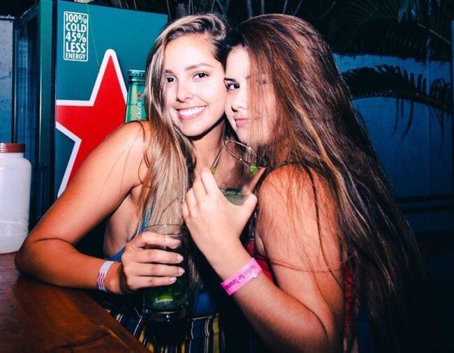 bares discotecas conocer chicas Tamarindo tener sexo