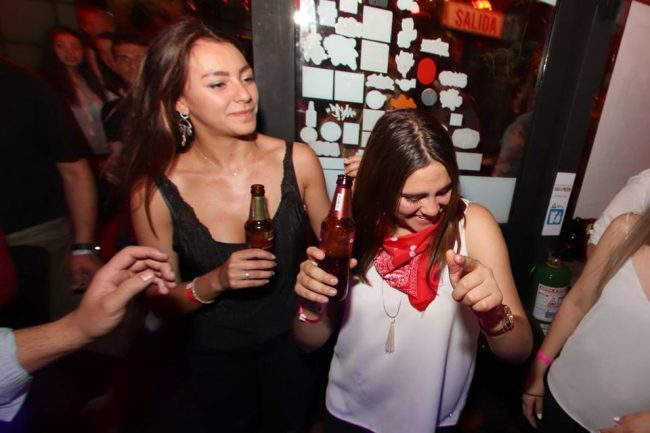 bares discotecas conocer chicas Bogotá tener sexo Colombia