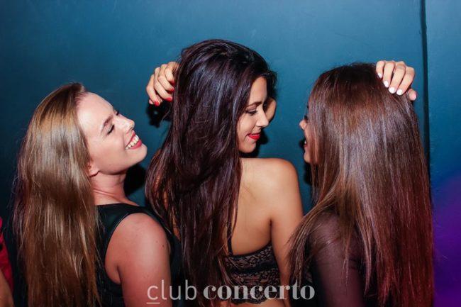 chicas cerca de ti Alicante vida nocturna clubes bares