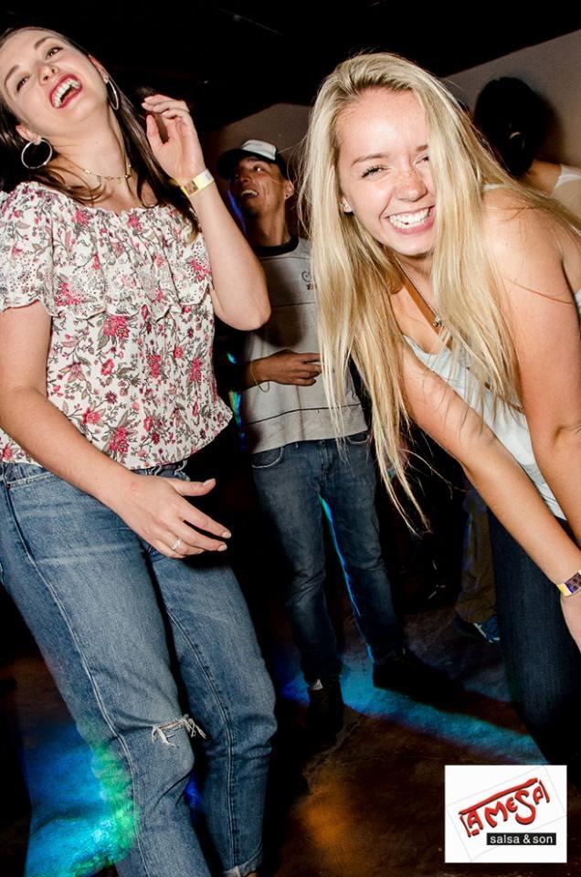 chicas cerca de ti Cuenca vida nocturna clubes bares