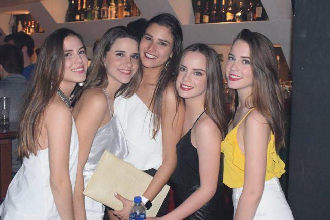 chicas cerca de ti Managua vida nocturna clubes bares